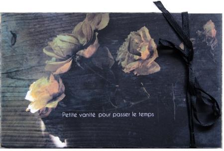 Petite Vanité -ROSES-vitrine.jpg